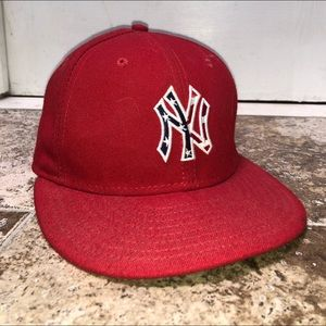 """New York Yankees red """"4th of July"""" cap"""